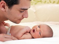 Η γέννηση του παιδιού μπορεί να προκαλέσει κατάθλιψη και στον πατέρα