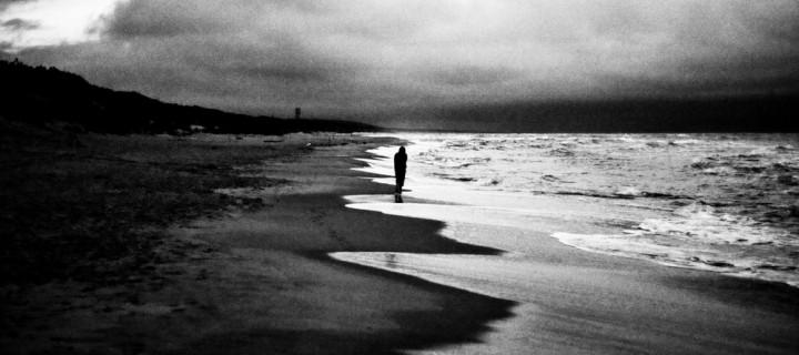 Η μοναξιά «ταράζει» τον ύπνο